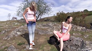 Nice pussy shellacking and fingering in outdoors - Suzi Rainbow