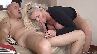 Energized overprotect sure loves burnish apply senior's beefy dick in her ass