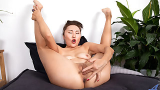 Lira Kissy in Fifty And Flexible - Anilos